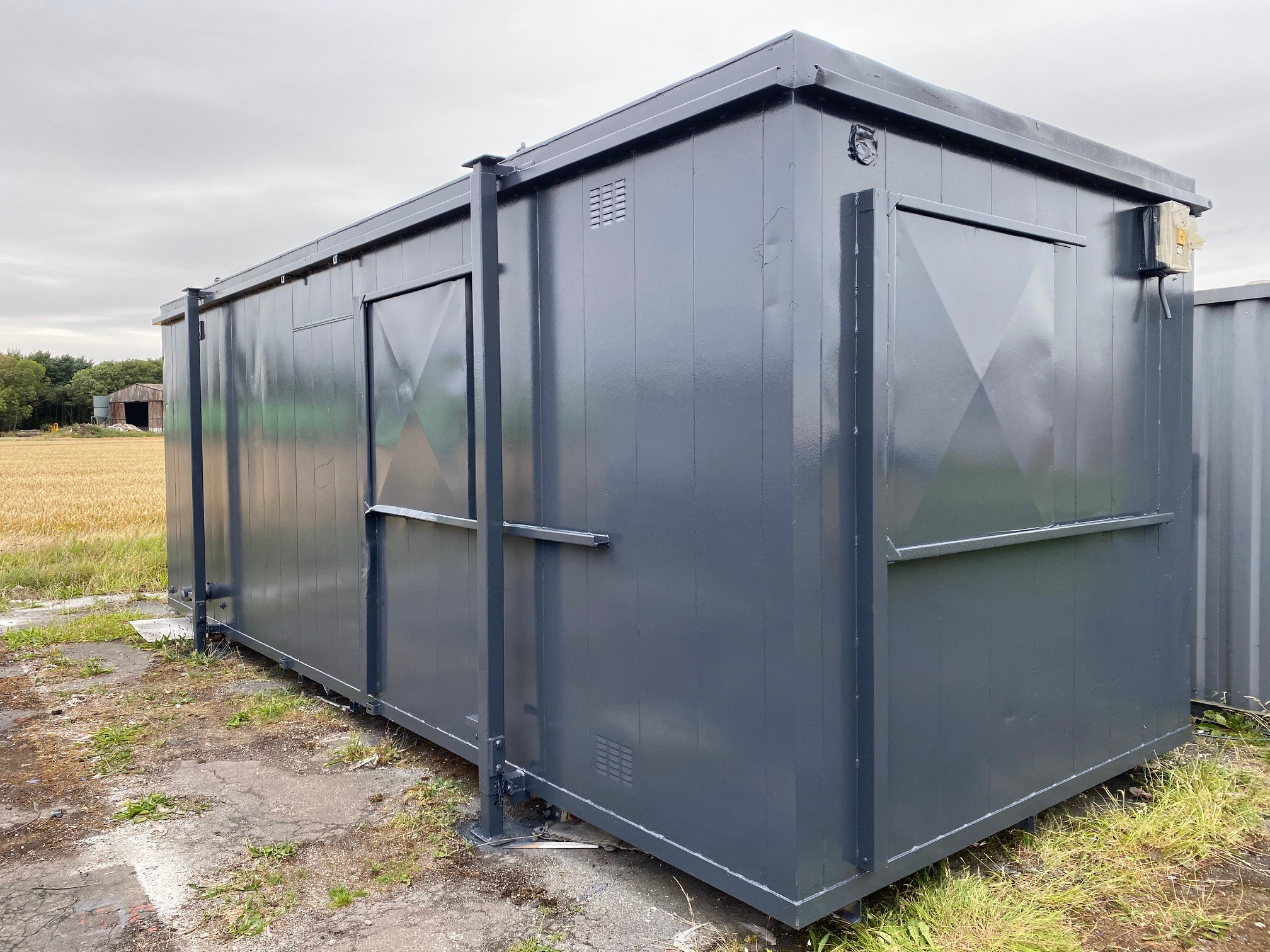 Refurbished site welfare cabin